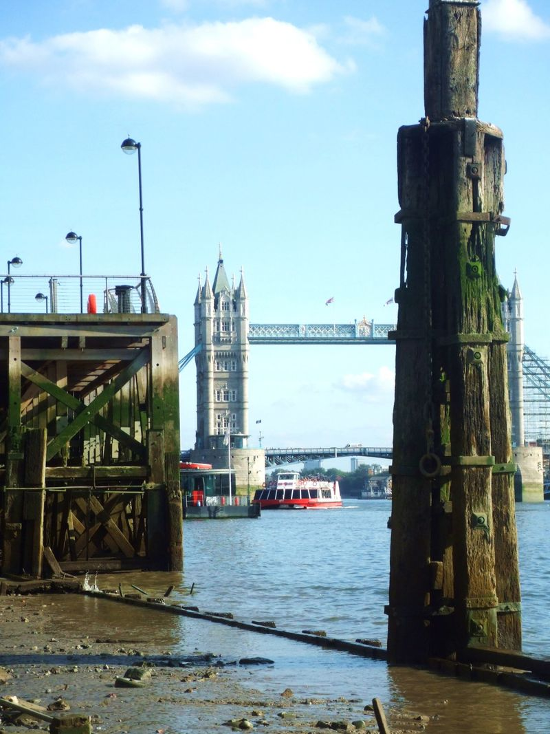 Thames 012